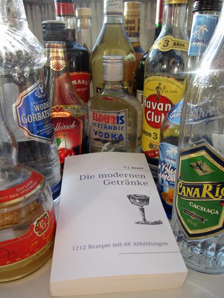Buch Moderne Getränke und Flaschen