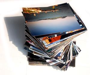 Fotostapel (Bild: sassi / Pixelio.de)