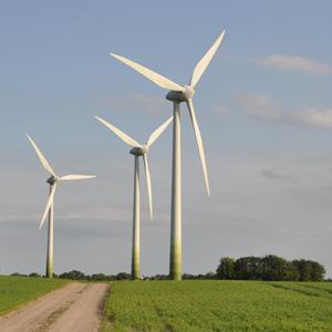 Windräder (Bild: Norbert Weiß / pixelio.de)